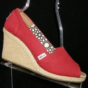 Toms Classic red canvas espadrille wedges 9.5M